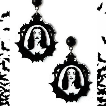 Gothic victorian earrings 'Vampira' maila nurmi goth halloween bat