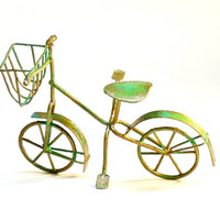 Miniature Dollhouse Rusty Weathered Bicycle Fairy Garden Metal Bike with Basket