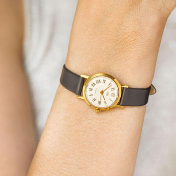 Vintage women's watch gold plated, lady's watch round, gift classical women watch Dawn, petite lady watch minimal, premium leather strap new