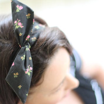 Black with Pink Flowers Dolly Bow Wire Headband Rockabilly Pin Up Hair40s 50s Flexible Bendable Accessory for Teens Women Girls