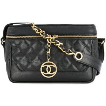 GKIN3 Chanel Vintage CC Charm Quilted Camera Bag