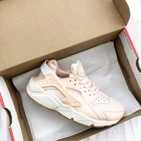 NIKE Air Huarache Run Ultra Light Pink Sneaker