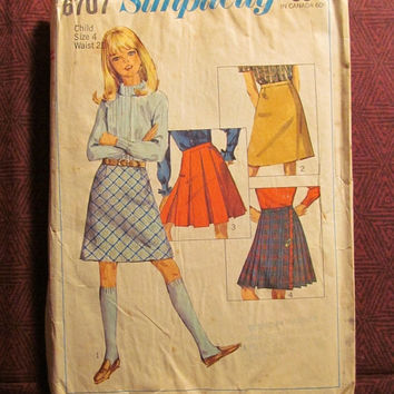 Sale Uncut 1960's Simplicity Sewing Pattern, 6707! Size 4 Girls/Child/Kids/Pleated Skirts/Cheer Leader Skirts/Straight Skirts/Above Knee Len