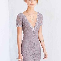 Kimchi Blue Scallop Lace Bodycon Dress-