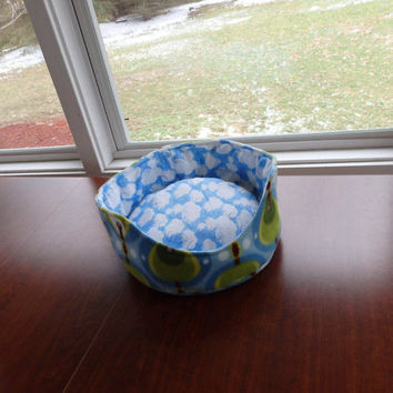Pet Bed, Small animal Pet Bed, Cuddle Cup, Fleece bed, Pet Lover Gift, Dreamy Bed, Nap Spot, Cloud Pet Bed