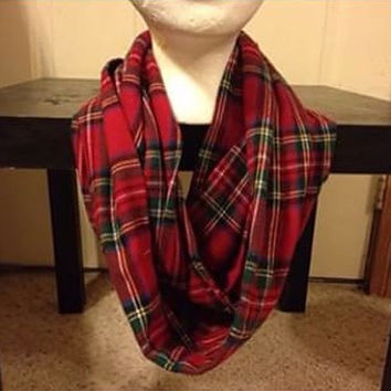 Womens Christmas Plaid Infinity Scarf