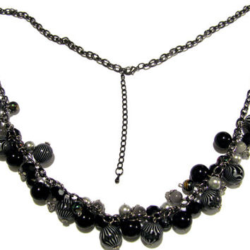 Beaded Necklace in Shades of Black and Gray