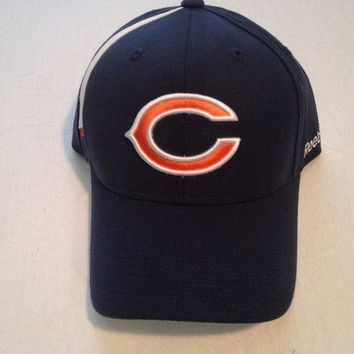 CREYONC. BRAND NEW CHICAGO BEARS RETRO REEBOK NAVY ADJUSTABLE CURVED BRIM HAT