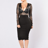 Ahead Of The Curve Dress - Black