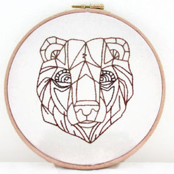 Bear embroidery art, hand embroidery bear wall hanging, 7 inch hoop, woodland animal decor, handmade in the UK