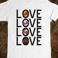 Love Chicago Sports Tee - shine on