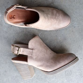 final sale - bc footwear like clockwork clog in sand