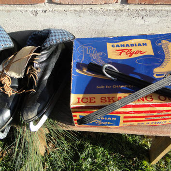 SALE Vintage Canadian Flyer Men's Black Ice Figure Skates with original box, Winter decorating, vintage mens black leather Ice Skates,