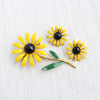 Vintage Yellow Enamel Flower Brooch & Clip On Earrings -  Demi Parure Yellow, Green, and Black Mod Floral Costume Jewelry / Yellow Daisy Set