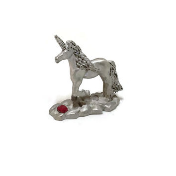 Vintage SPOONTIQUES Pewter UNICORN Figurine Protecting Jewel