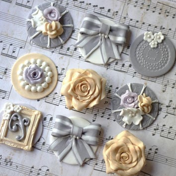 Rustic and victorian fondant toppers. These toppers are perfect for weddings, baby shower or birthdays.