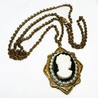 Edwardian Cameo Locket & Chain Necklace - Black and white, Pearlescent beads, Art Nouveau Leaves, Art Deco Vintage