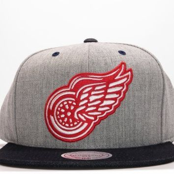 New Mitchell & Ness Indigo Denim Two Tone Grey Snapback Hat (Detroit Red Wings)