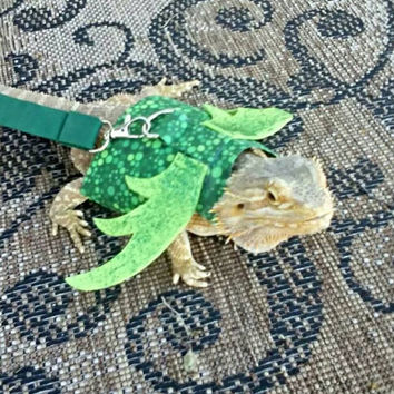 Bearded Dragon harness and leash...Green Dragon