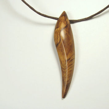 Wood necklace,Bear claw,Wood Pendant,,Wood Jewelry,Wooden Necklace,Wood Charm,Wood Carving,Birch Burl.