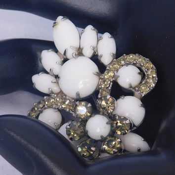 Juliana MILK GLASS Vintage Smoked RHINESTONE Designer Delizza Elster D&E White Lily Flower Fleur-de-lis Detailed Fabulous Brooch Pin! 209