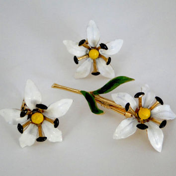 White Enamel Flowers Brooch Earrings Set  Flower Bouquet