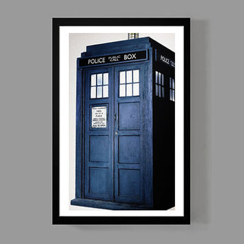 "Doctor Who Blue Police Box Tardis Time Travel Science-Fiction Movie Poster Print - 11""x17"" Inch"