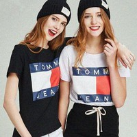Tommy Hilfiger :Fashion men and women couple classic shirt T-shirt blouse