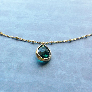 Faceted emerald green Necklace on Beaded Chain