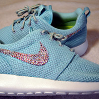 Nike Roshe Run Shoes - Women