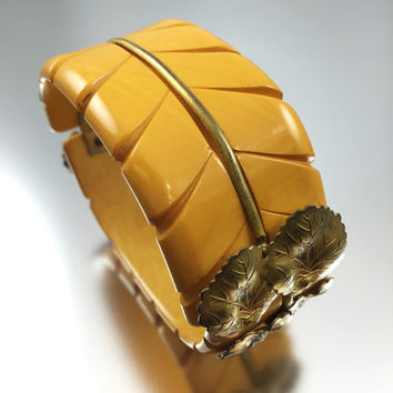 Art Nouveau/Art Deco Carved Butterscotch Bakelite Clamper Bracelet with Gold Plated Brass Leaves Vintage 1920s