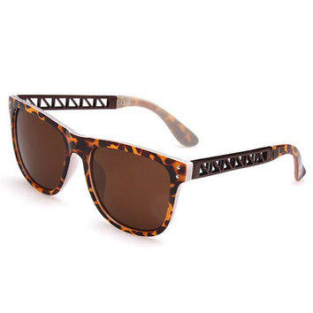 Leopard Frame and Cut Out Hinge Design Sunglasses