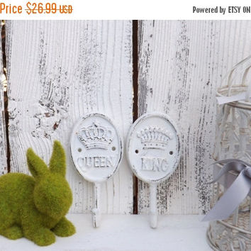 On Sale KING and QUEEN Wall Hooks / Wedding Present / His and Hers Hook  / Shabby Chic Hook
