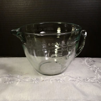 Anchor Hocking Large Glass Measuring Bowl Vintage Clear Glass Measuring Mixing Bowl With Spout And Handle 2 Qt. 8 Cup Made in USA