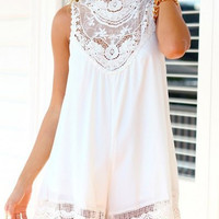 White Lace Turtleneck Sleeveless Dress