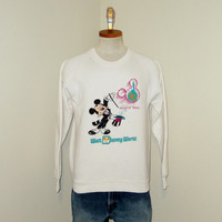 Vintage Amazing 1989 MICKEY MOUSE DISNEY World Graphic Retro Small Medium White 50/50 Crewneck Sweatshirt