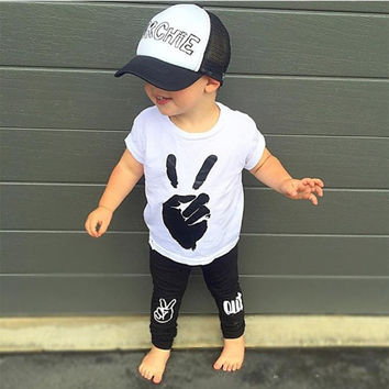 2016 fashion baby boy clothes cotton white short-sleeved t-shirt + black pants infant 2pcs suit newborn baby boys clothing sets
