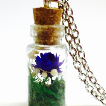 Dried Flower Terrarium Necklace, Tiny Dried Flower, Floral Jewelry, Flower Terrarium, Vial Pendant, Glass Bottle Necklace, Boho Woodland Jew