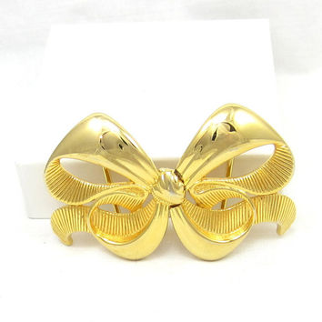 Paquette Belt Buckle Gold Bow Ribbon Theme Vintage Costume Jewelry Belt Buckles 1979 Designer Signed Womens 1 Inch Accessories MIMI DIN