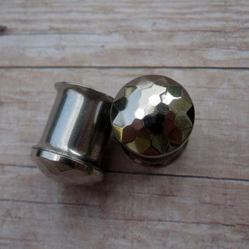 """Pair of Pewter Hammered Dome Plugs - Handmade Gauges - 2g, 0g, 00g, 7/16"""", 1/2"""", 9/16"""", 5/8"""" (6mm, 8mm, 10mm, 11mm, 12mm, 14mm, 16mm)"""
