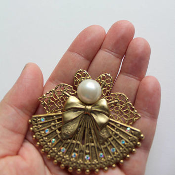 Vintage Pearl and Rhinestone Angel Brooch 1980s