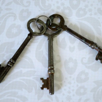 Vintage Skeleton Keys by Corbin - Antique Heart Keys - Vintage Heart Assemblage Keys