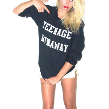 Teenage Runaway Women's Casual Black & White Crewneck Sweatshirt