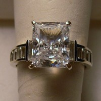 14k CZ Ring Solid White Gold 4ctw 5.5 grams SZ 8 Emerald Cut