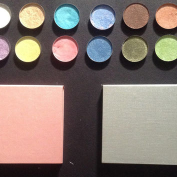4 eyeshadow palette, choose eyeshadow, gray or pink