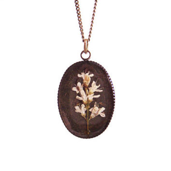 Floral necklace, Real flower necklace, White privet flower, Pressed flower jewelry, Nature inspired necklace, Botanical, Oval, White flower