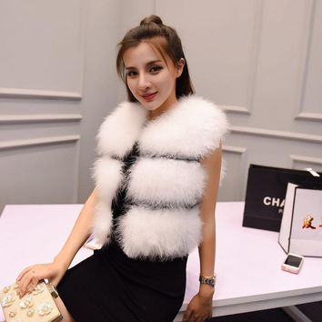 2017 new autumn and winter high-end real fur vest short paragraph female ostrich feather vest coat Slim natural fur
