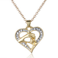 Best Gift for Mom Mothers Day Present Gold Alloy Hold Hands Necklace Jewelry for Love Ones _ 851