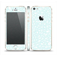 The Light Teal Blue & White Floral Sprout Skin Set for the Apple iPhone 5s