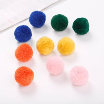 10pcs/set random color Ball Kitten chew Toys Interactive Cats Toys Play Scratching Catch Soft Balls Kitte Plush Pet Toys For Cat